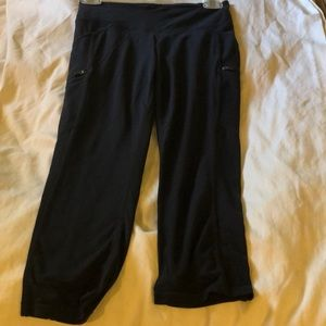Athleta black Capri legging